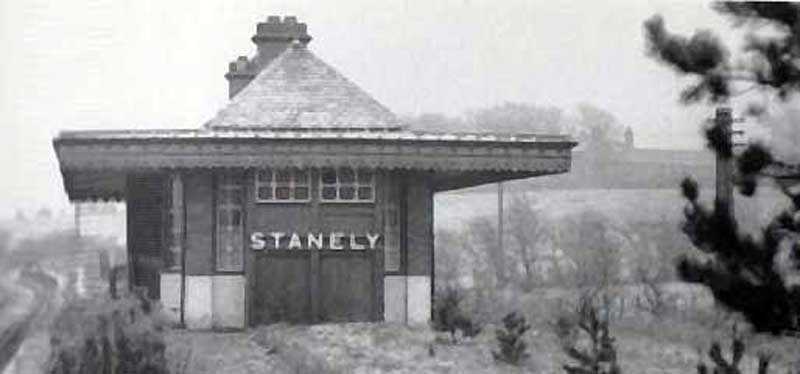 Stanely Station  thanks to Robert Law, Dundee